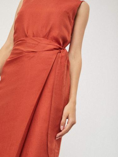 Льняное платье с запахом