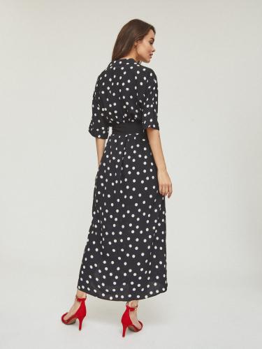 Платье из струящейся ткани с разрезами