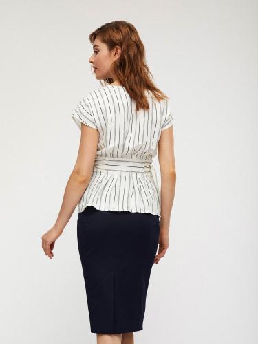 Блуза с декоративными завязками на талии