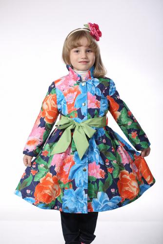 900р.1800р.Плащ детский для девочки М380-1синие цветы