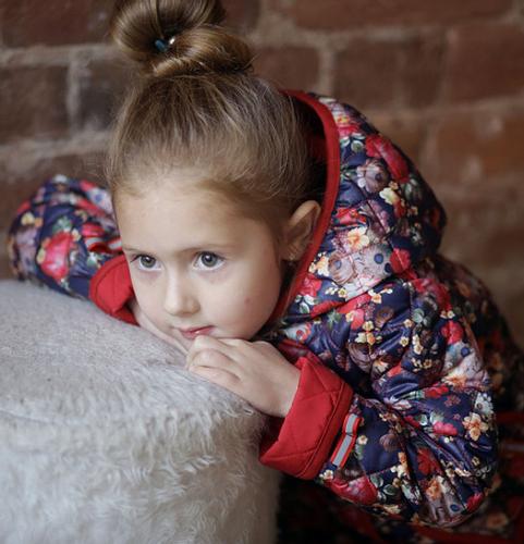 Больше нет! 800р.2000р.Куртка детская для девочки М-377 цветы