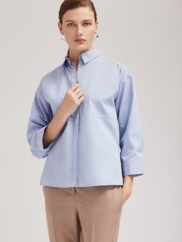 Блуза прямого силуэта с декоративной строчкой