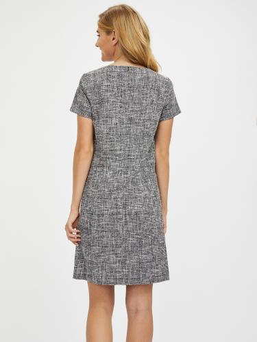 Платье из букле с карманами