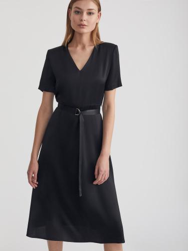 Платье из сатина с подплечниками