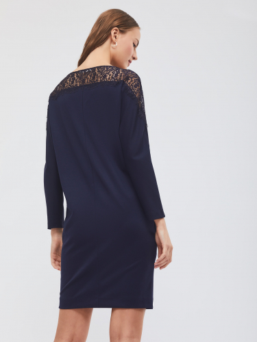 Платье со вставкой из кружева