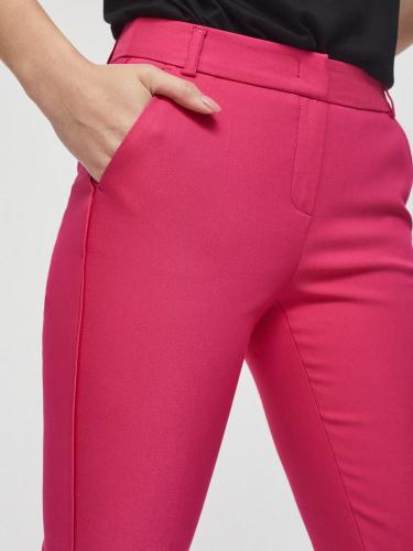 Укороченные брюки зауженного кроя