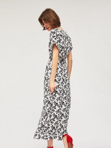Длинное платье с завязками