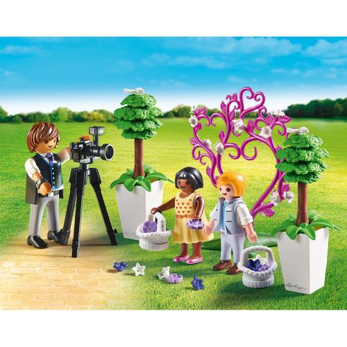 1 шт. доступно к заказу/Фотограф и дети с цветами