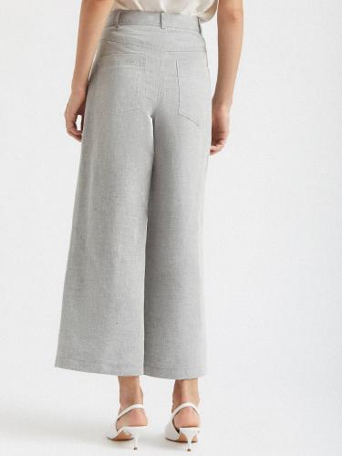 Укороченные брюки широкого кроя