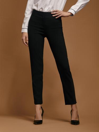 Зауженные брюки средней посадки