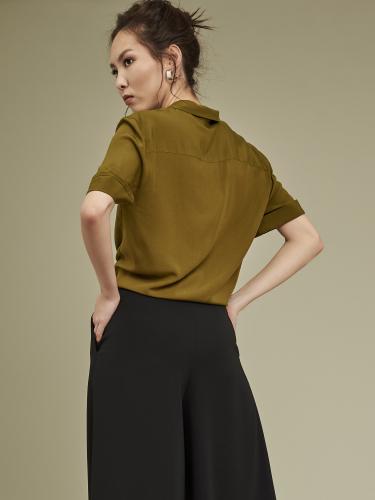 Укороченная блуза с завязками