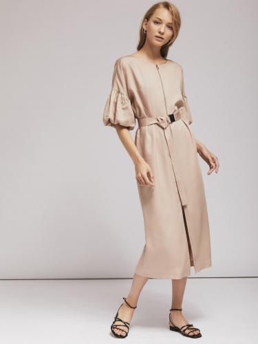 Платье с фантазийными рукавами