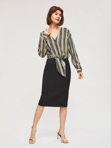 Свободная блуза с декоративным узлом