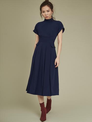 Однотонное платье с рукавом реглан