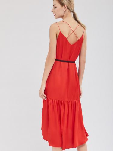 Платье с оборкой по нижнему краю