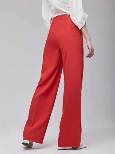 Широкие брюки с кантом по боковому шву
