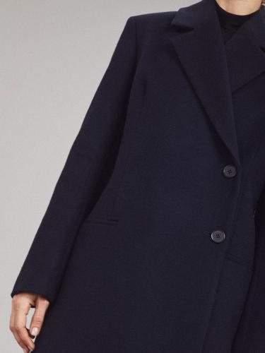 Пальто с застежкой сбоку