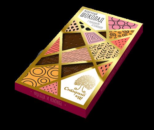 Шоколад молочный с фундуком и клюквой / 100 г
