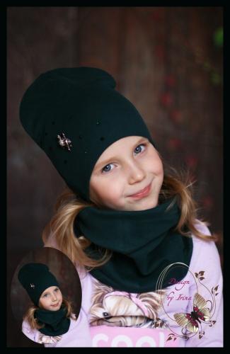 Удл. шапка с брошкой БУКАШЕЧКА (изумруд)