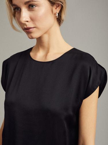Базовая блуза из вискозы