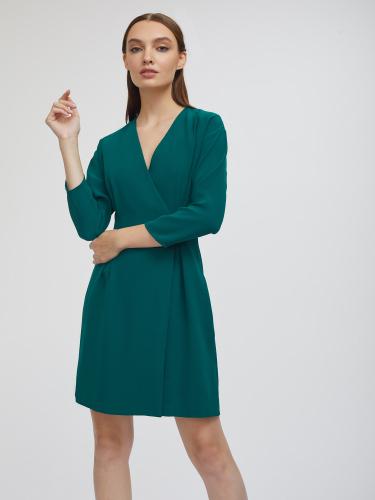 Короткое платье с защипами