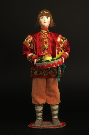 Кукла сувенирная фарфоровая. Август.Сказочный персонаж.
