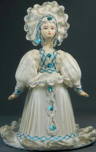 Кукла сувенирная фарфоровая. Снежная фея. Сказочный персонаж.