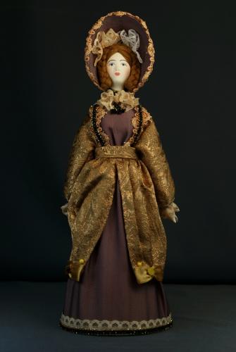 Кукла сувенирная фарфоровая. Светский костюм.. 2-я чет. 19 в. Петербург. Европейская мода.