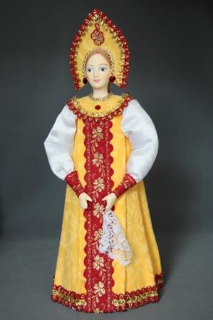 Кукла сувенирная фарфоровая. Традиционный девичий праздничный костюм.