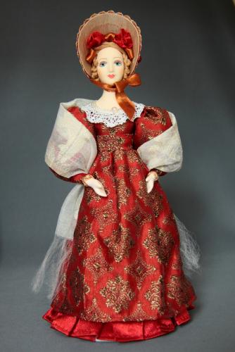 Кукла сувенирная фарфоровая. Барышня в летнем костюме с белым шарфом. 1830-е г. Петербург.
