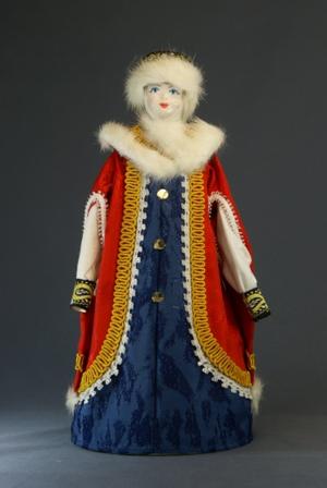 Кукла сувенирная фарфоровая. Боярыня в опашне. 15-17 в. Русь.