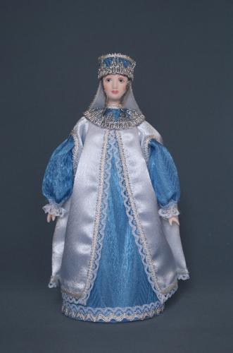 Кукла сувенирная фарфоровая. Боярыня в опашне.