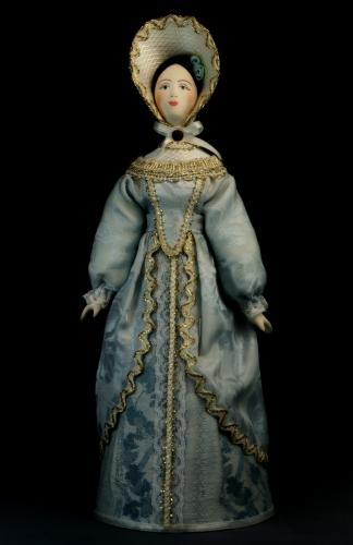 Кукла сувенирная фарфоровая. Дама в светском костюме. Сер.19 в. Петербург. Европейская мода.