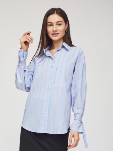 Рубашка с ремешками на запястьях