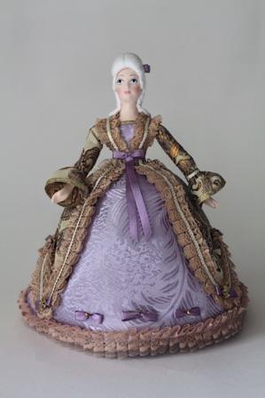 Кукла сувенирная фарфоровая. Фрейлина в платье эпохи рококо. Сер.18 в.