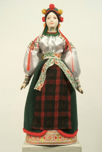 Кукла сувенирная фарфоровая. Украинский девичий праздничный костюм. 19 - н.20 в. Россия.