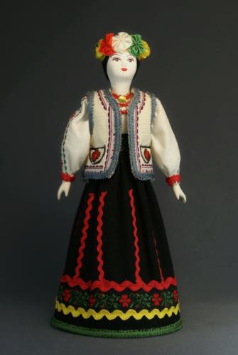 Кукла сувенирная фарфоровая. Молдавия. Национальный женский праздничный (свадебный) костюм.
