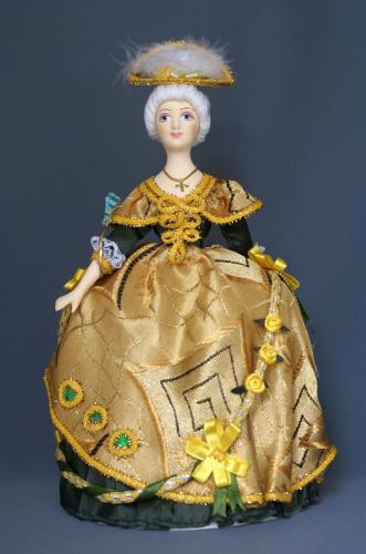 Кукла сувенирная фарфоровая. Дама в бальном платье 18 в. Европа