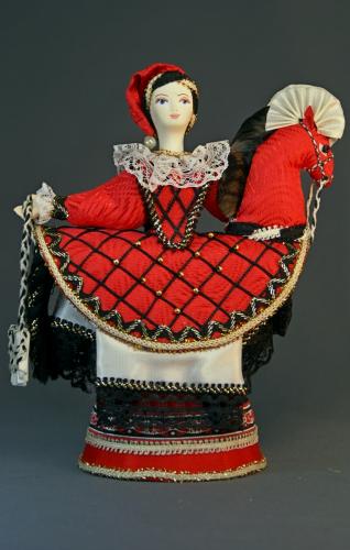 Кукла сувенирная фарфоровая. Наездница. Театральный костюм.