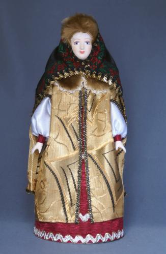 Кукла сувенирная фарфоровая. Боярышня в нарядной зимней одежде. 16-17 в. Русь.