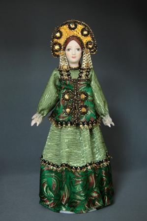 Кукла в русском народном костюме.