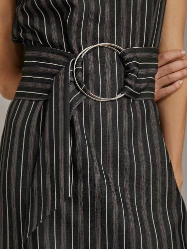 Платье без рукавов в полоску