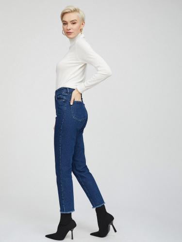 Укороченные джинсы с бахромой