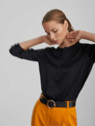Атласная прямая блуза