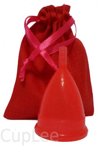 Менструальные чаши в льняном мешочке