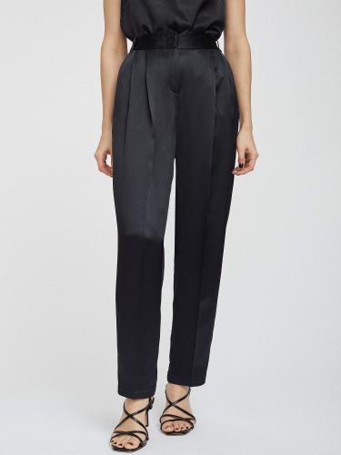 Атласные брюки с защипами