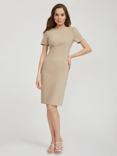 Платье-футляр с вытачками