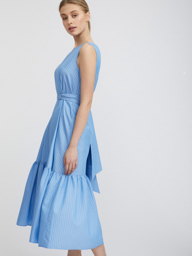 Платье в полоску с широким воланом