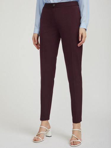 Эластичные зауженные брюки