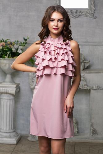 Платье с рюшами цвет пудра